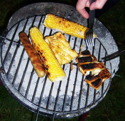 Vegetarisch grillen mit Grillkäse, Halloumi, Maiskolben