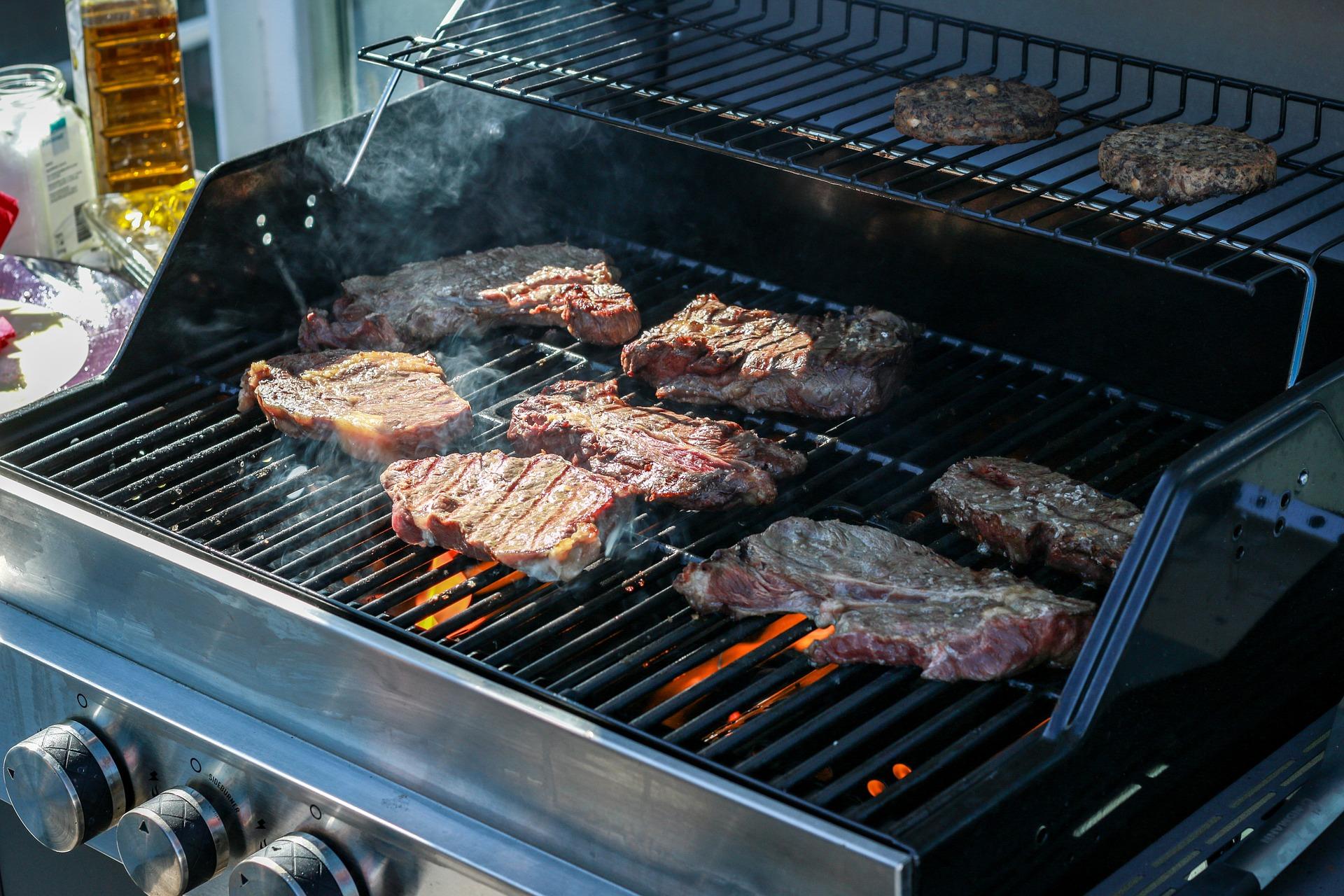 Aldi Gasgrill Diese Woche : Grillen mit gas: vor und nachteile eines gasgrills das grillt!