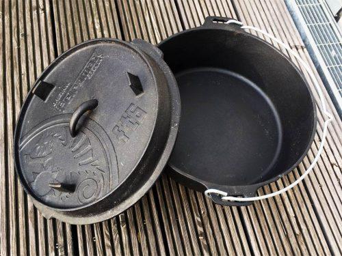 Petromax ft6 Dutch Oven Feuertopf geöffnet