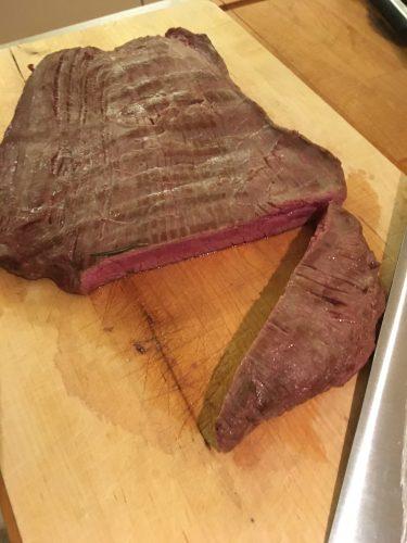 Flank Steak medium rare angeschnitten